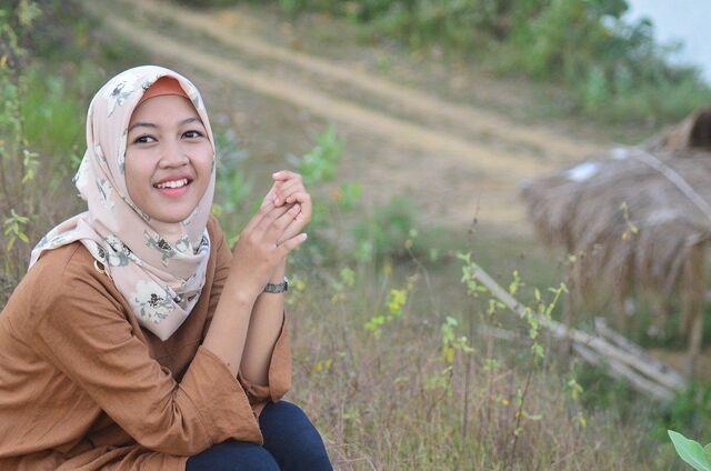 hijab segi empat bunga