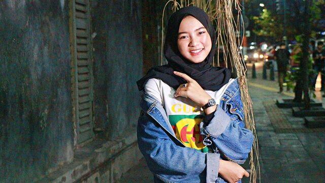 hijab segi empat polos