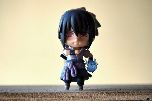 tokoh uchiha sasuke di anime naruto